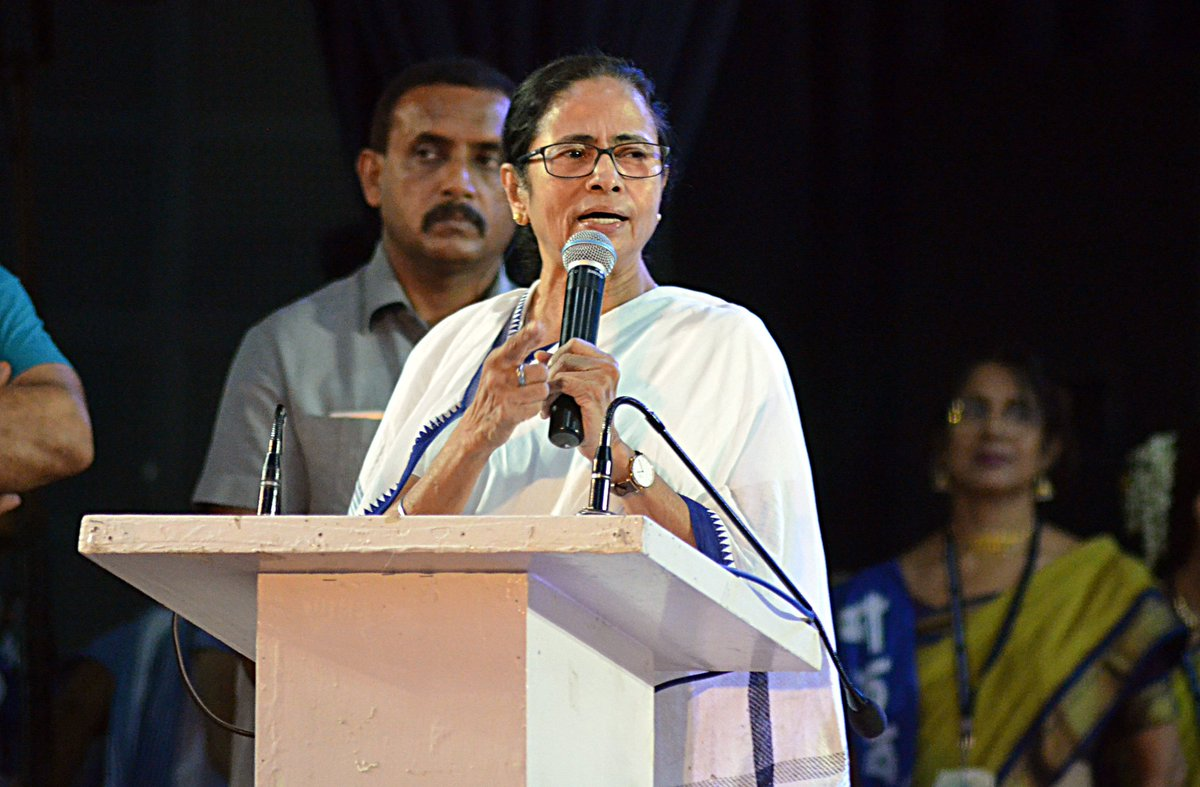 Try touching even two citizens of Bengal, Mamata Banerjee dares Centre over NRC plan  http:// toi.in/pj3WxZ/a24gk     <br>http://pic.twitter.com/46QBrsX0ct