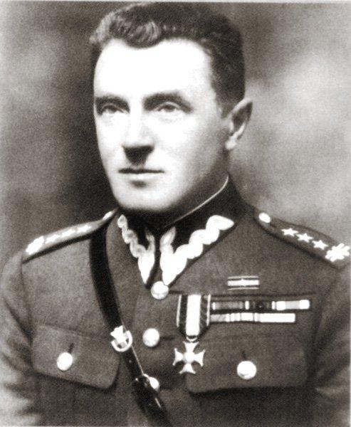 16 IX 1939 r. podczas ataku na bagnety na przeważające siły 45. DP Wehrmachtu poległ gen. Józef Kustroń, dowódca 21. Dywizji Piechoty Górskiej #Podhalańczycy