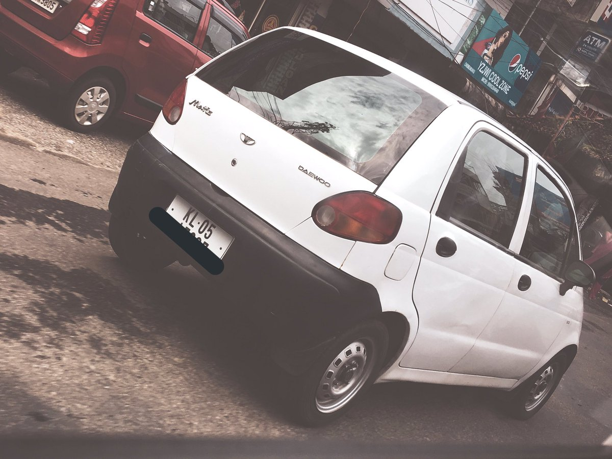 If I ever do a piece/book on car culture in India, Kerala will be responsible for more than 30 per cent of the content. Couldn't do any proper #carspotting (didn't have the time) but these two everyday vehicles from the past couldn't be ignored. #Matiz #Yamahapic.twitter.com/RfCNTDAdzM