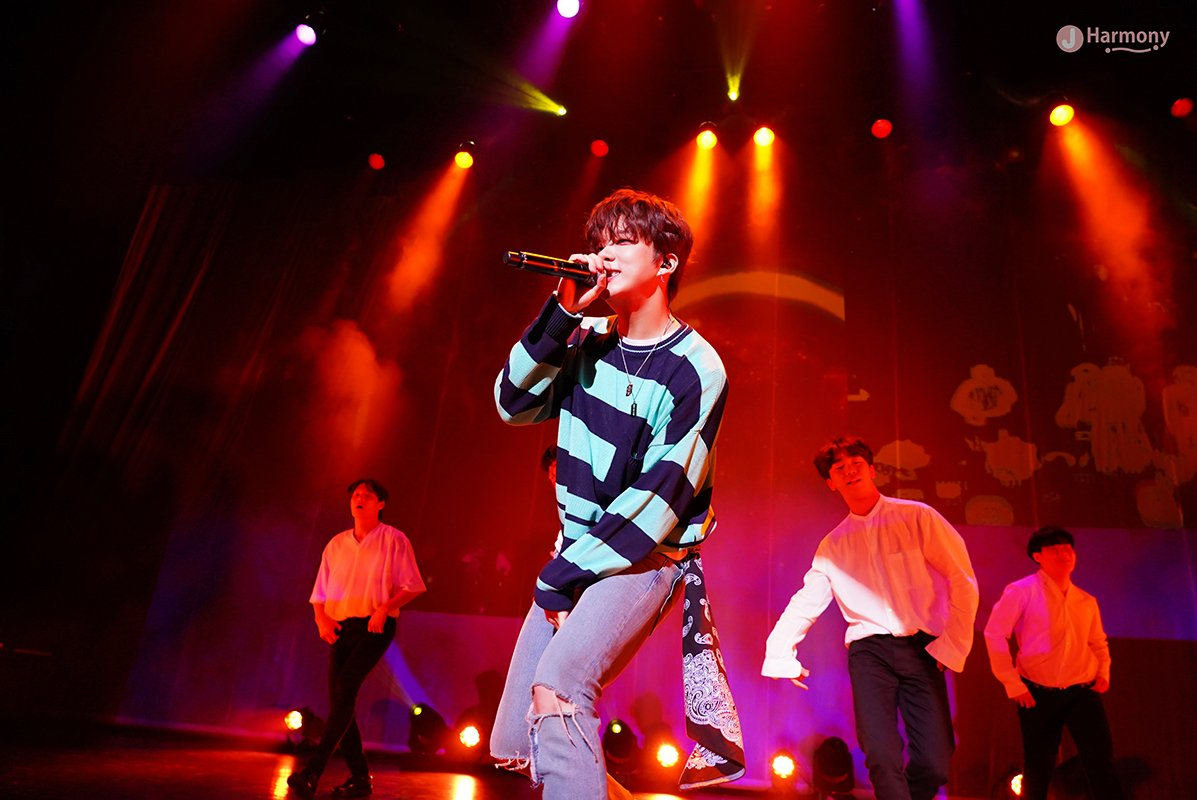 190608 #Youngjae Japan Fanmeeting <BEGIN AGAIN> official pictures  link:  http:// imgur.com/a/Z9uXxK3    <br>http://pic.twitter.com/s9Mv7I0dNo