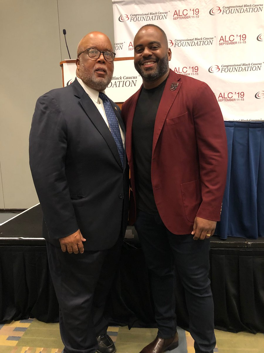Thank you @BennieGThompson for sponsoring the #CBCFALC19 panel on the Black male vote in America and including eBay Chief Diversity Officer @dhoopcamp in this important discussion. https://t.co/1y4FbftvPI