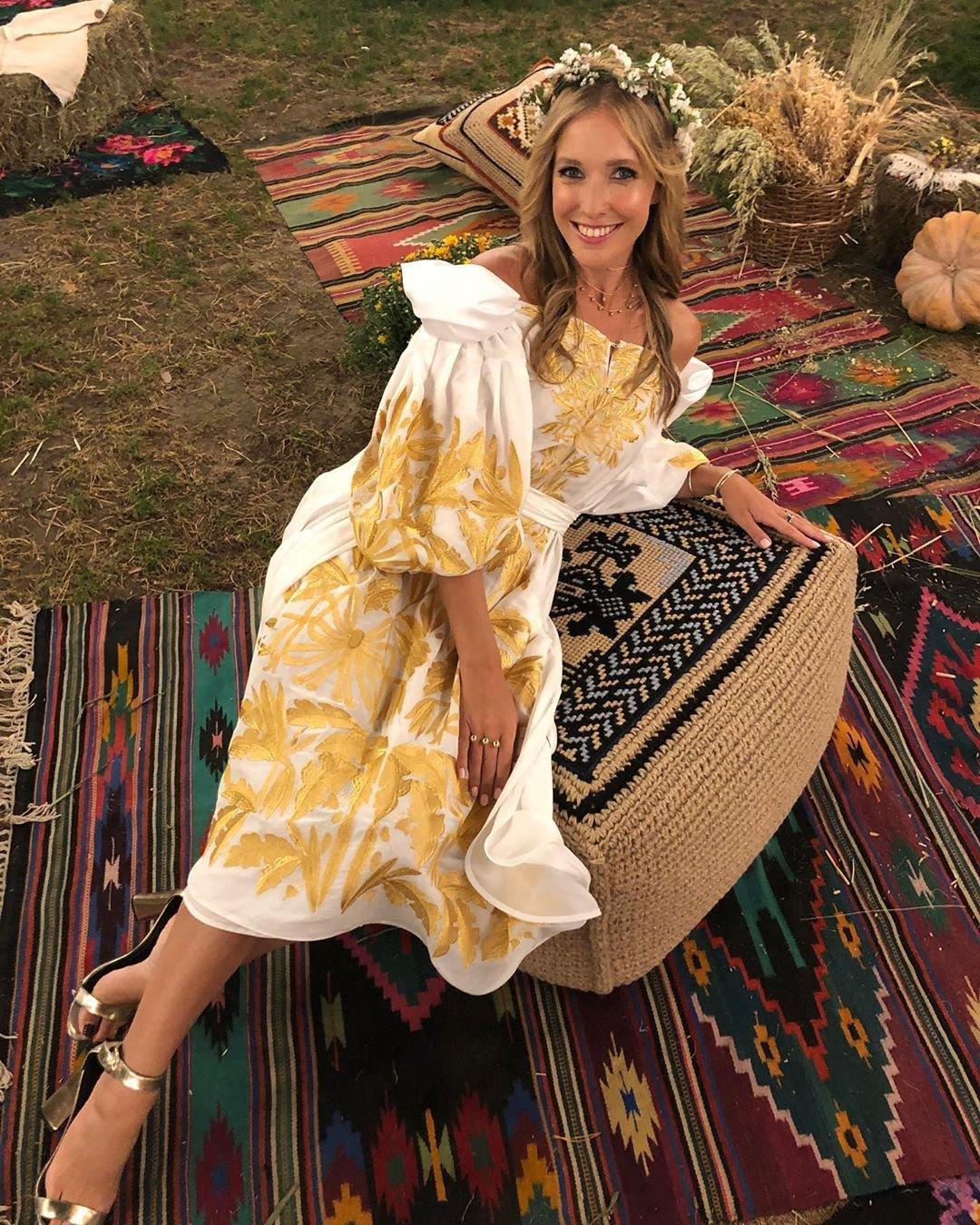 Катя Осадчая в платье от Yuliya Magdych