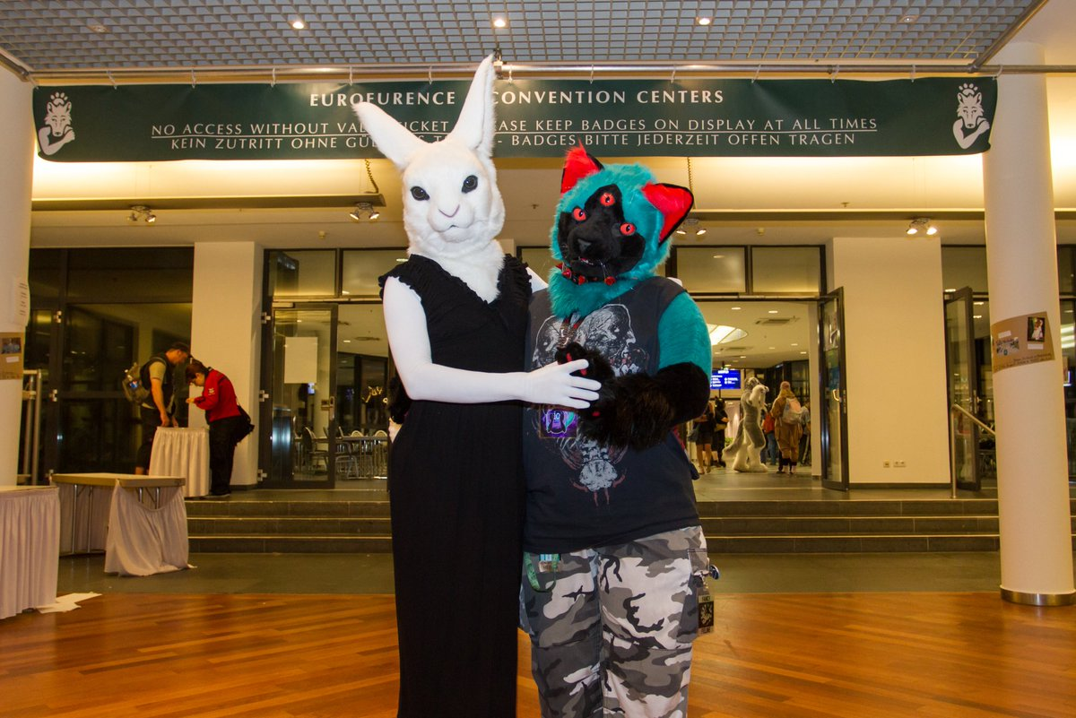 Will you dance with us on this #FursuitFriday? ^^  : io  : Lumie   Estrel, Berlin  #Eurofurence25   @RagabashFox<br>http://pic.twitter.com/8ZMZ9V3aJc