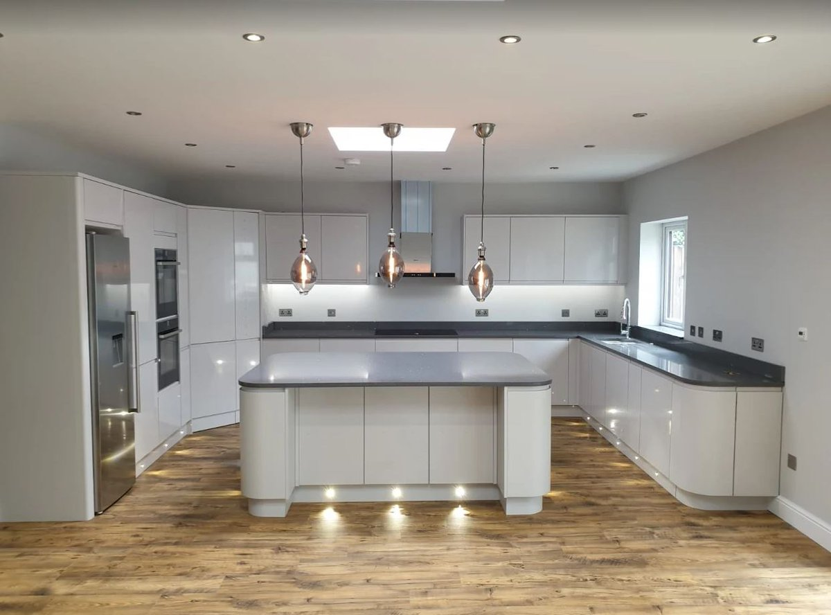 Benchmarx Kitchens Joinery A Twitter Look At This Stunning Soho Dove Grey Kitchen Straight From Our Crayford Branch Fitted By Our Tradeyoftheweek H2 Construction This Is A Perfect Choice For Busy