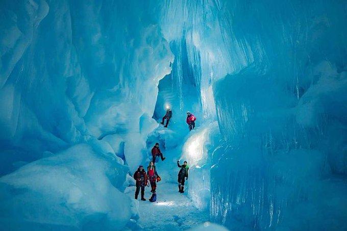 Hallan un mundo subterráneo perdido en la Antártida