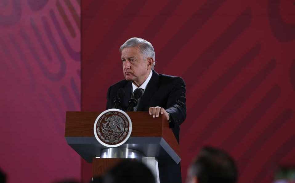 """#LaMañanera   #AMLO califica de """"exitosa"""" venta de bonos de #Pemex https://mile.io/32CELcg"""