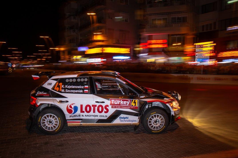 WRC: Marmaris Rally Turkey [12-15 Septiembre] - Página 4 EEWmRqZX4AAG_7y