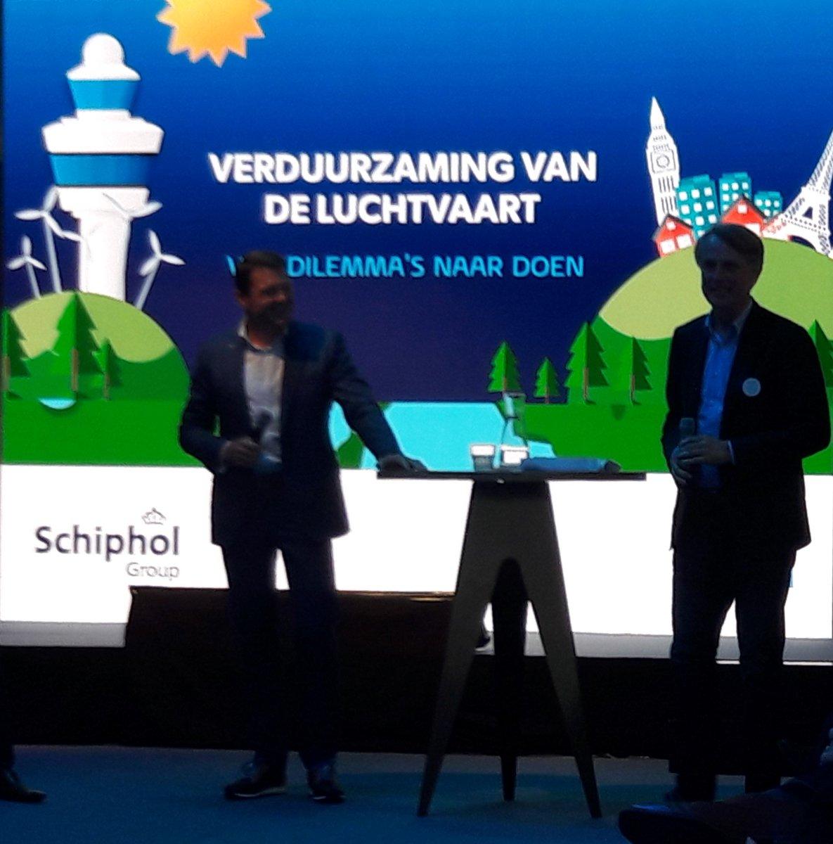 test Twitter Media - Vandaag goed en positief seminar 'Verduurzaming van de luchtvaart: van dilemma's naar doen'. Met CEO's van @KLM en @Schiphol. Maar de sleutel naar duurzame luchtvaart kwam niet ter sprake: synthetische kerosine uit wind en zon. @jpaternotte Zie https://t.co/I7wfqEieUA https://t.co/JgrwGYxMpz