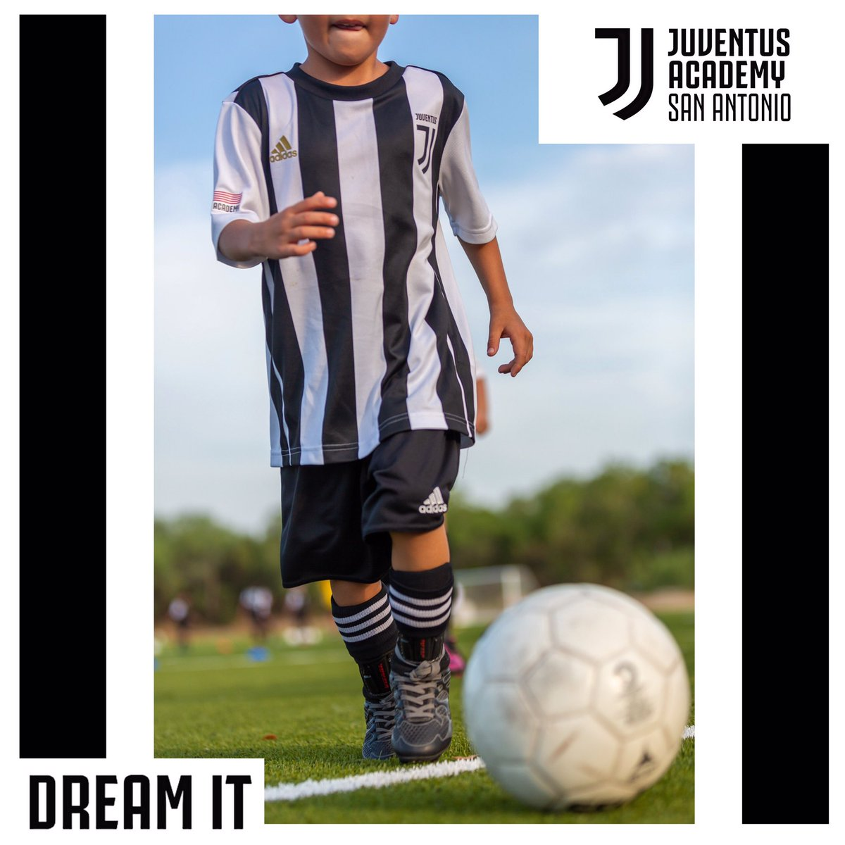 At @juventusacademysa, dream it and #makeithappen.  <br>http://pic.twitter.com/HcrY7C5CqM