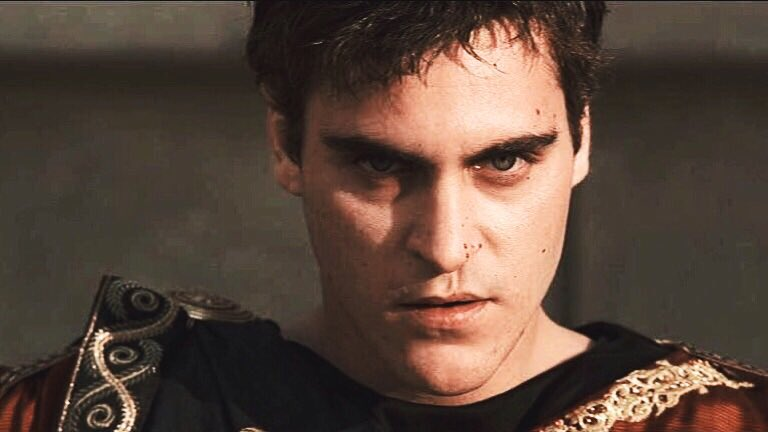 "kaz. on Twitter: ""joaquin phoenix as commodus in gladiator (2000). truly  one of the most scheming and cruel villains of all time.… """