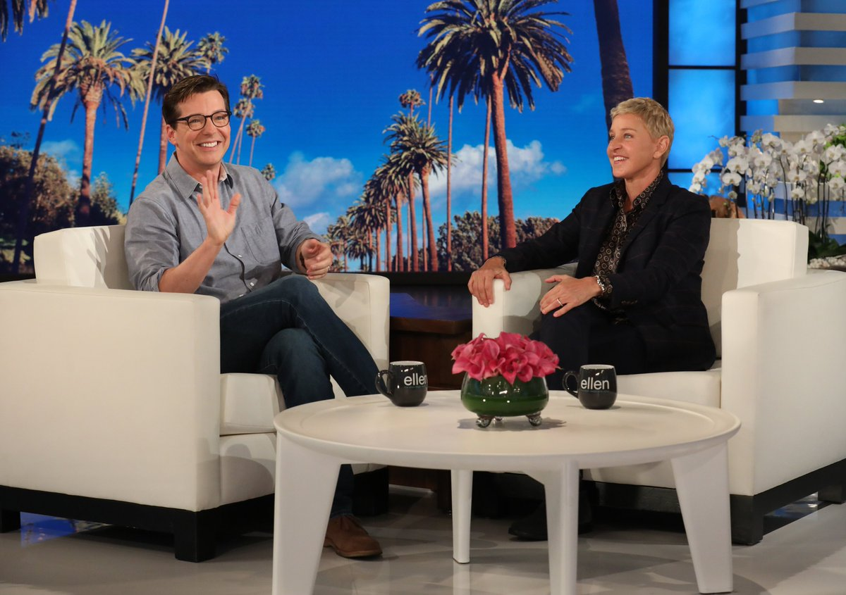 Find someone who looks at you the way @SeanHayes looks at Brad Pitt.