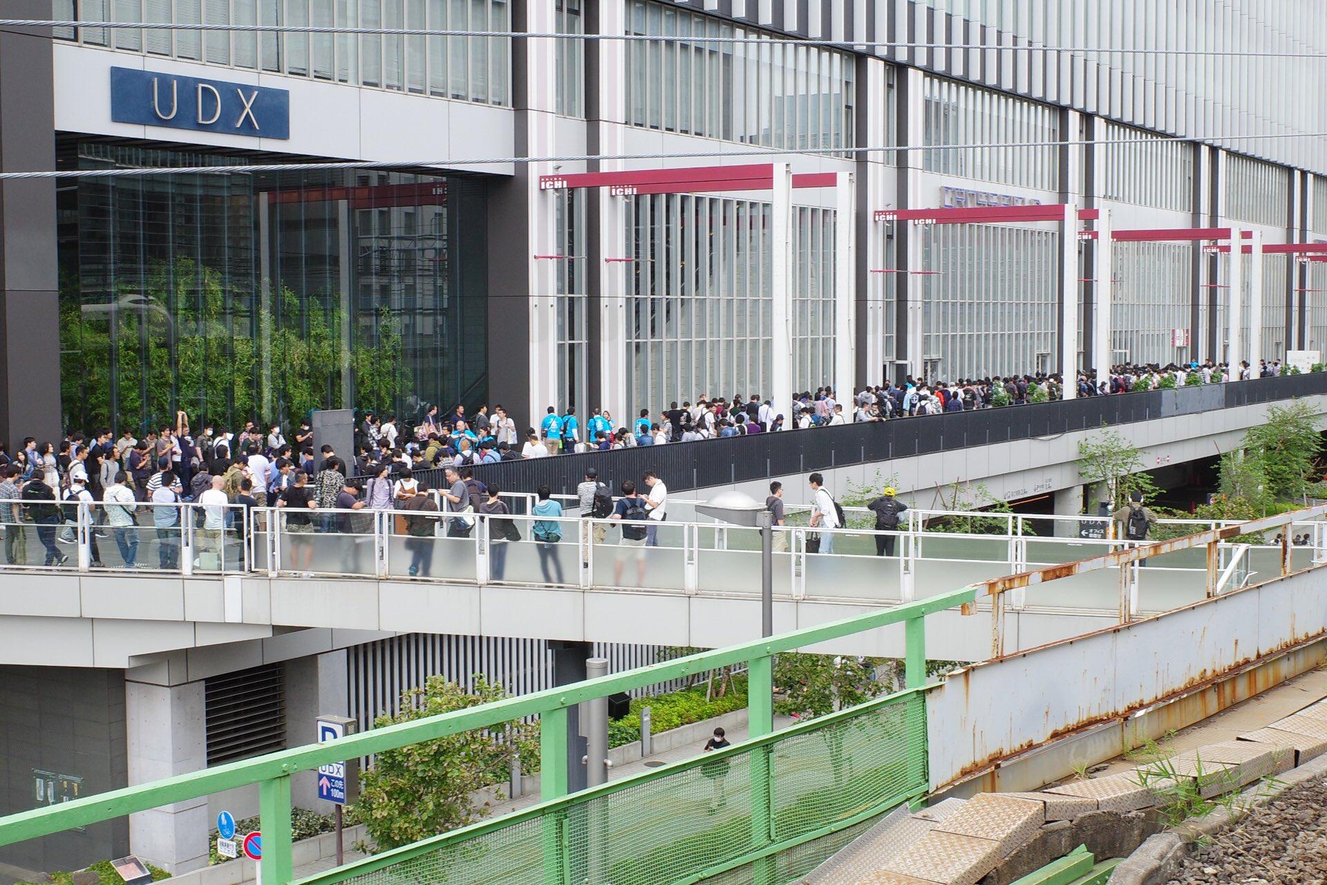 画像,秋葉原UDXさんまわりの待機列凄いな10:30#akiba https://t.co/bQ4FupR7VZ。