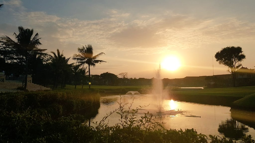 Good morning from the 18th hole. Today is our 5th Anniversary Celebration and as the Sun is rising so do the best wishes for the future years! <br>http://pic.twitter.com/yA9d7T9LvC