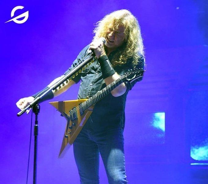 Happy birthday Dave Mustaine , un año mas de vida a este genio colorado