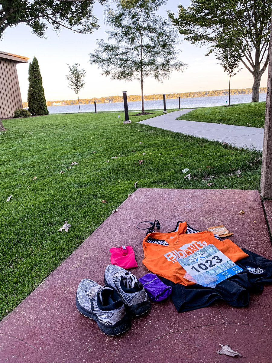We made it to #delavanlake for the @zoomarun Great Lakes 10k! It is gorgeous here at @lakelawnresort. We drove around the lake and saw some beautiful houses too. @BibRave  #zoomabr #bibchat #bibrave #bibravepro<br>http://pic.twitter.com/whdQOfvPbE