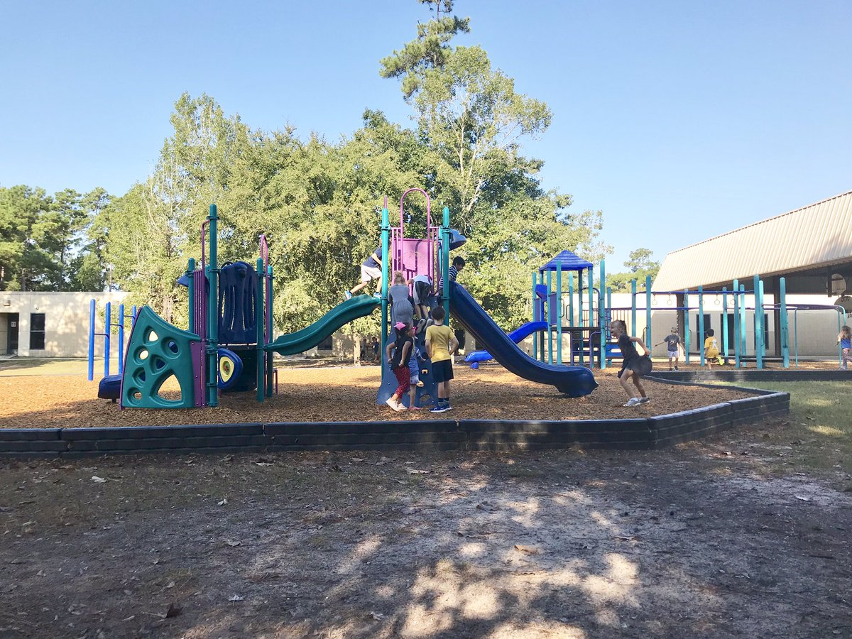 Deerwood is rocking their Boosterthon fundraiser!! This morning our class cashed in on an extra recess prize for meeting one of our class donation goals, woo! Extra recess + it was nice and cool still = amazing time!  @HumbleISD_DWE #dwe2020 #bethelight<br>http://pic.twitter.com/LudhiXGGm7