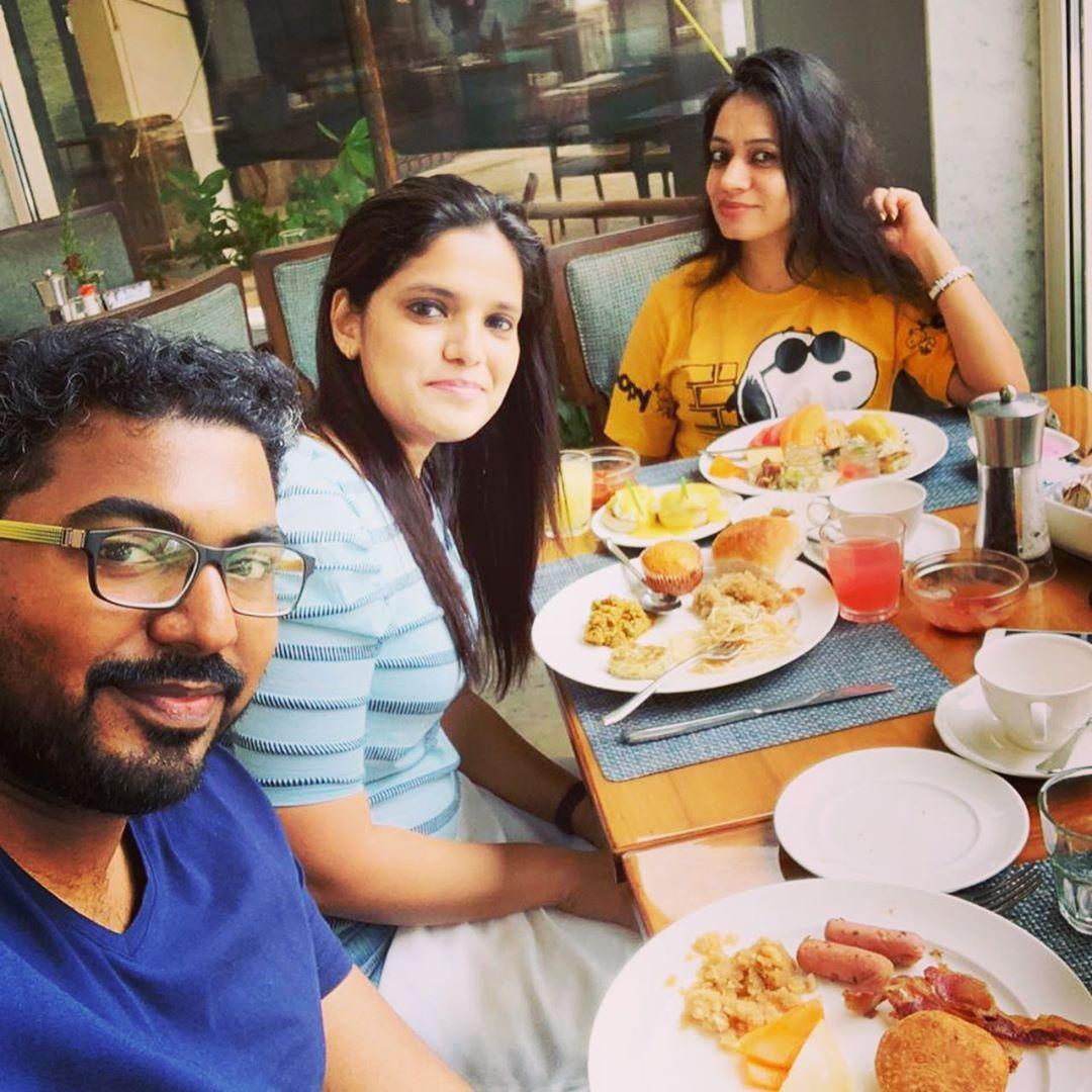 (Repost) @usha_rai When food is your only priority 🥰#independenceday #thursdaymorning #breakfast #bakedbeans  #rakshabandhanspecial #foodlover #sunnsandhotel #juhumumbai #Aquacoffeeshop #juhu.We are happy that you enjoyed the Breakfast at @sunnsandhotel