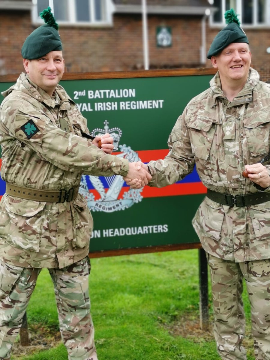 Handover complete; Lt Col Baxter has now officially taken command of 2 R IRISH from Lt Col Walkley.   From all ranks @NI_Infantry we wish them well & the best of luck.   FaughABallagh    #RIRISHRESERVES<br>http://pic.twitter.com/mMG3ro2CHa