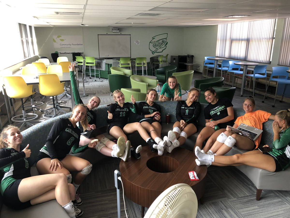 Varsity got the win in 3 against Lutheran West! Enjoying some A/C before we play at noon  <br>http://pic.twitter.com/Mwkd5k3UwK