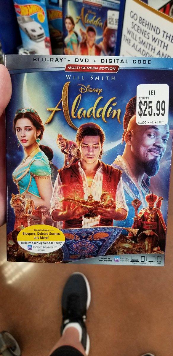 Movie night! Tonights pick is ALADDIN! Missed it in theaters. 🧞♂️🧞♂️🙆♂️🙋♂️❤❤❤ #Disney #aladdin2019 #disneykidalways