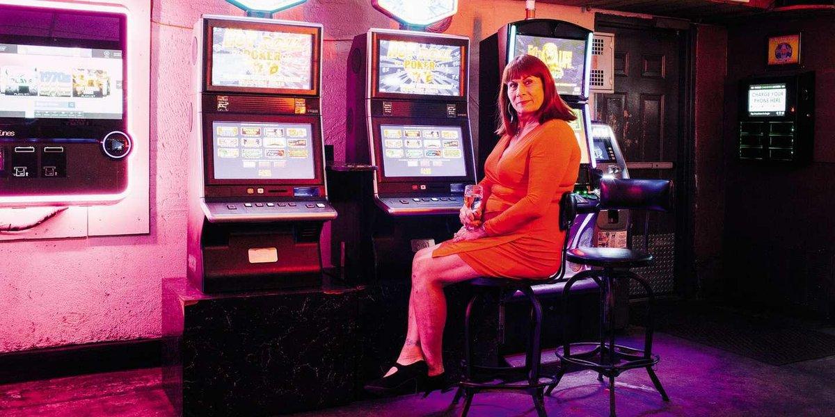 « Cette femme prend soin de nous tous. Et tu veux connaître la meilleure ? Elle a une bite » : JoAnn Guidos, la madone transgenre de La Nouvelle-Orléans | par @TonioAlbertini https://www.lemonde.fr/m-le-mag/article/2019/09/20/joann-guidos-la-madone-transgenre-de-la-nouvelle-orleans_6012434_4500055.html?utm_medium=Social&utm_source=Twitter#Echobox=1569004819…