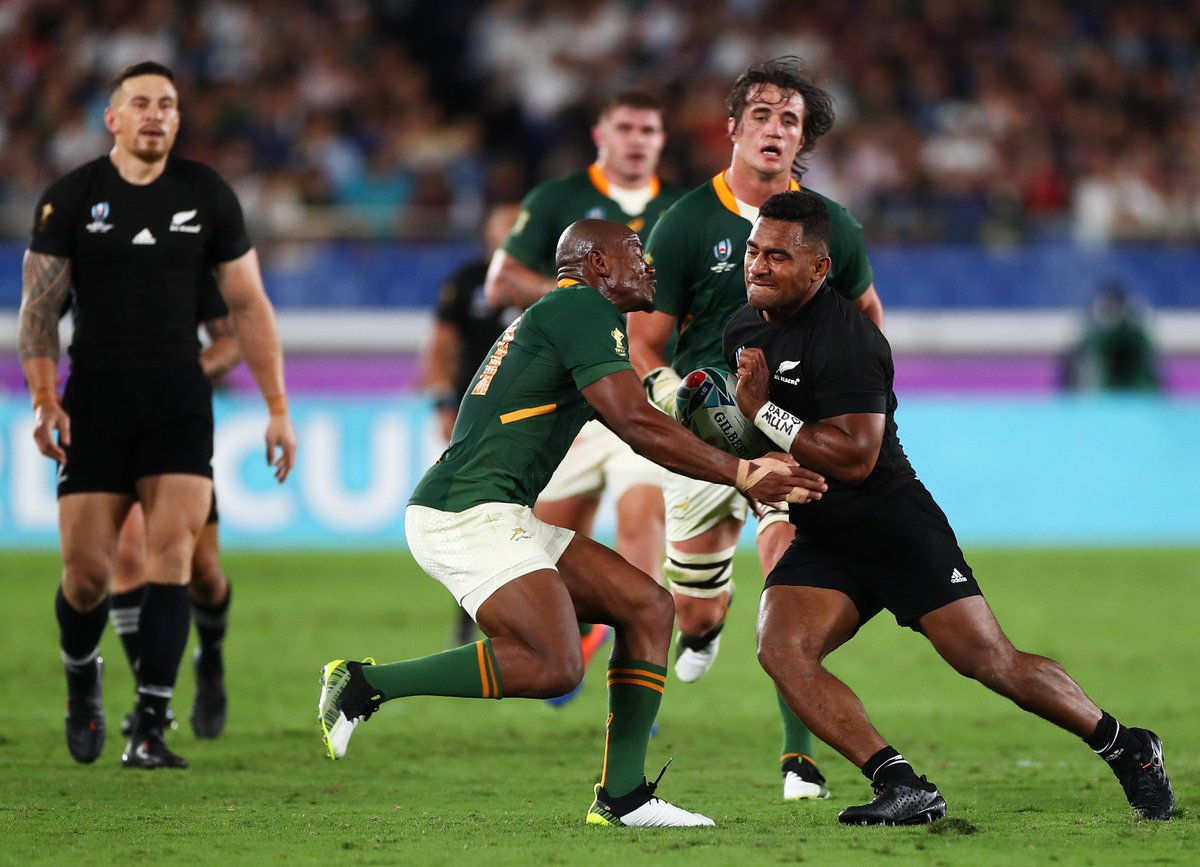 In the battle of the titans, the defending champions 🇳🇿 New Zealand topple 🇿🇦 South Africa! #DHLRugby #RWC2019 #NZLvRSA