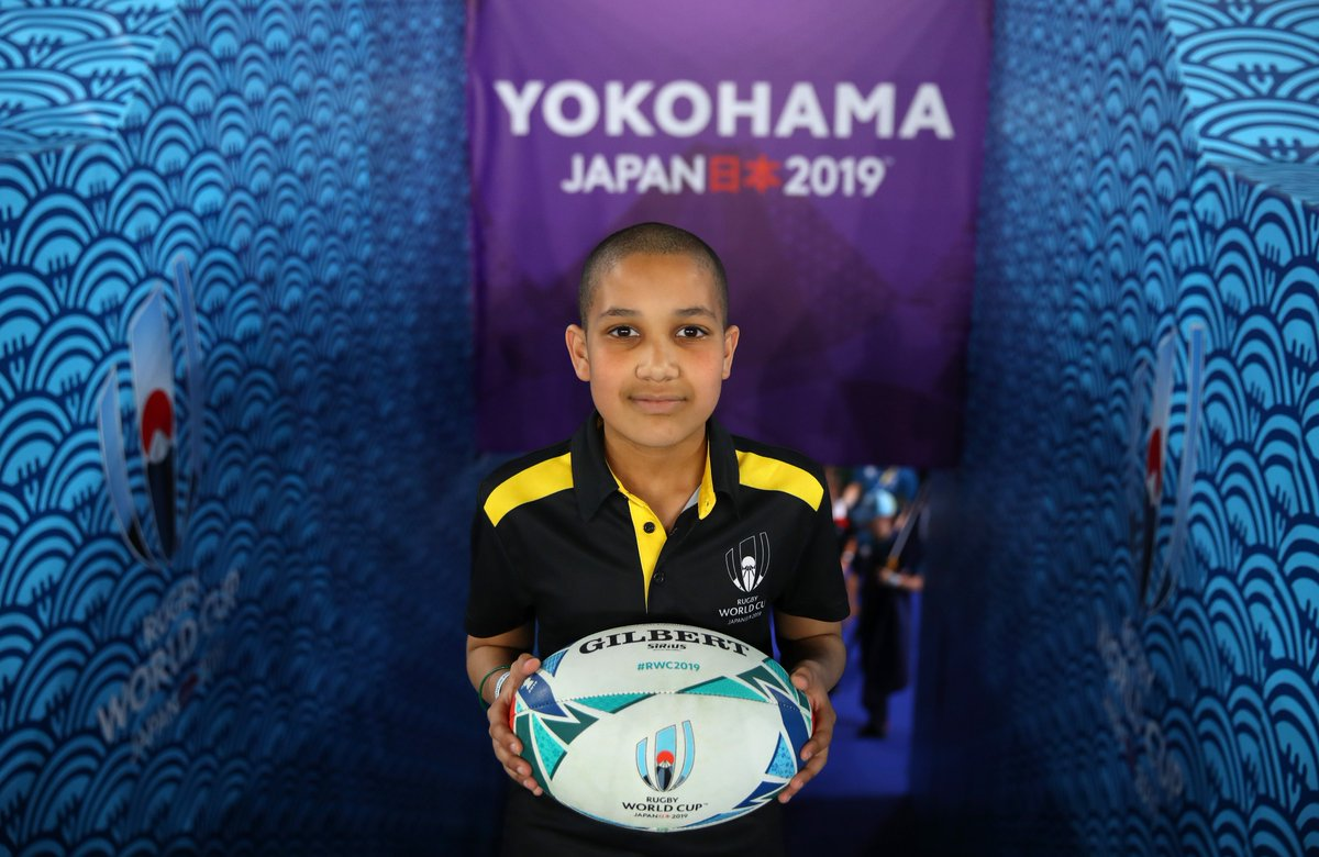 Fantastic shot of Match Ball Delivery kid Aiden ahead of #NZLvRSA at Yokohama today! #DHLRugby #EpicDelivery #RWC2019