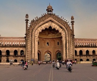 India Post may redeem itself and issue stamps in six designs on Historical Gates on 23rd Sep. Buland Darwaza, Rumi Darwaza Lucknow, Kashmere & Delhi Gates in Delhi, Gates from Bikaner & Jodhpur may be shown #BetterPhila #Stamps19<br>http://pic.twitter.com/4LhuCsMYrR