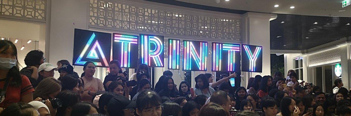 Twilight color สวยมากกกกกก   #SamyanMitrtownxTrinity <br>http://pic.twitter.com/Thk6q1Gxqw