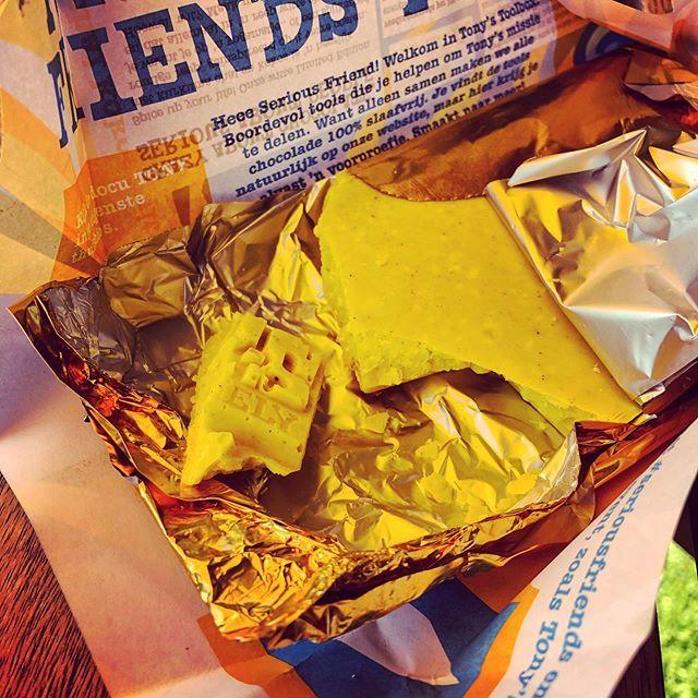 test Twitter Media - #tonychocolonely #kurkuma #chai #cocos... Hoe het smaakt vraag je? Vre-se-lijk, niet kopen; ik offer mijzelf wel op om Tony's voorraad te verminderen. Zo ben ik, alles voor de goede zaak. 🤣🤣🤣 Tja, 't is wa: gele chocolade in een gele wikkel onder een… https://t.co/KM9ZOIzpQk https://t.co/a47HVYnbJr