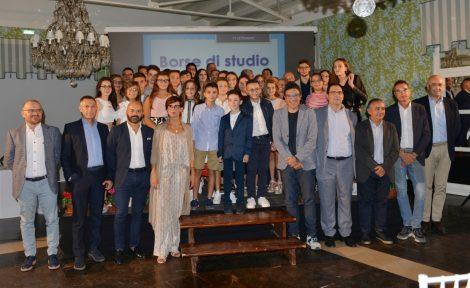 Ergon assegna 35 borse di studio agli studenti meritevoli figli dei dipendenti (FOTO) - https://t.co/DuyVEHNQrD #blogsicilianotizie