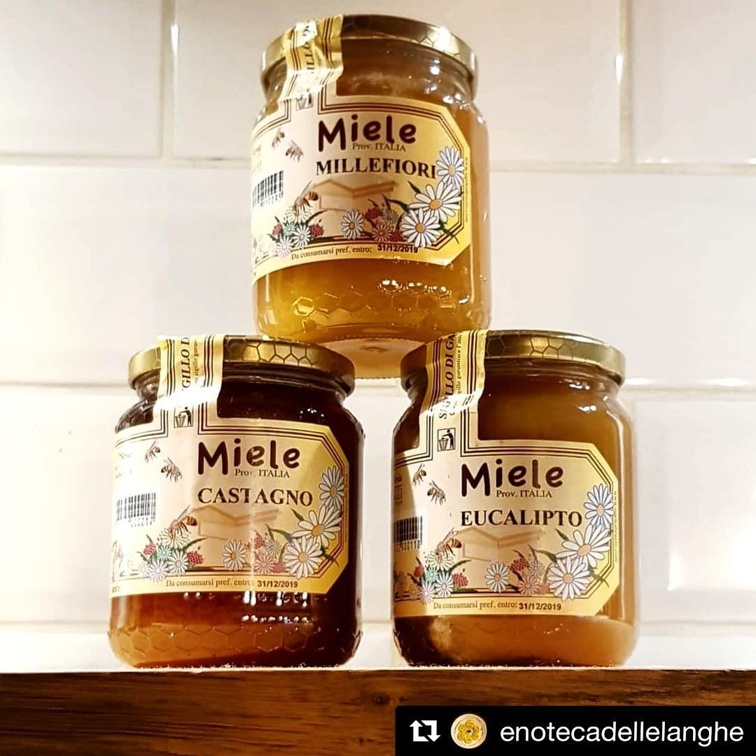 For the second consecutive year, LApe e lArnia (The bee and the hive) of Selva di Altino is confirmed as the most awarded honey producer in Italy Purchase yours at The Italian Quarter #WorldBeeDay #Honey #Miele #italianproduce #FeelLikeInItaly #Bees #Dublin #Italianquarter 🐝