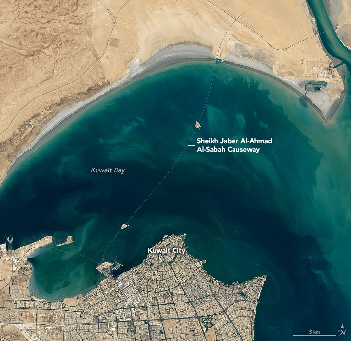 Opened in May 2019, the Sheikh Jaber Al-Ahmad Al-Sabah Causeway is one of the largest construction projects in Kuwait's history. earthobservatory.nasa.gov/images/145624/… #NASA #Landsat #bridges