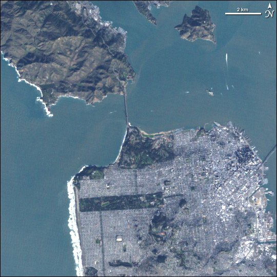 Some more notable bridges and causeways in our archives — a railroad in Great Salt Lake, the Hong Kong-Zhuhai-Macau Bridge, and the Golden Gate Bridge. earthobservatory.nasa.gov/images/7857/al… earthobservatory.nasa.gov/images/88033/b… earthobservatory.nasa.gov/images/5912/go…