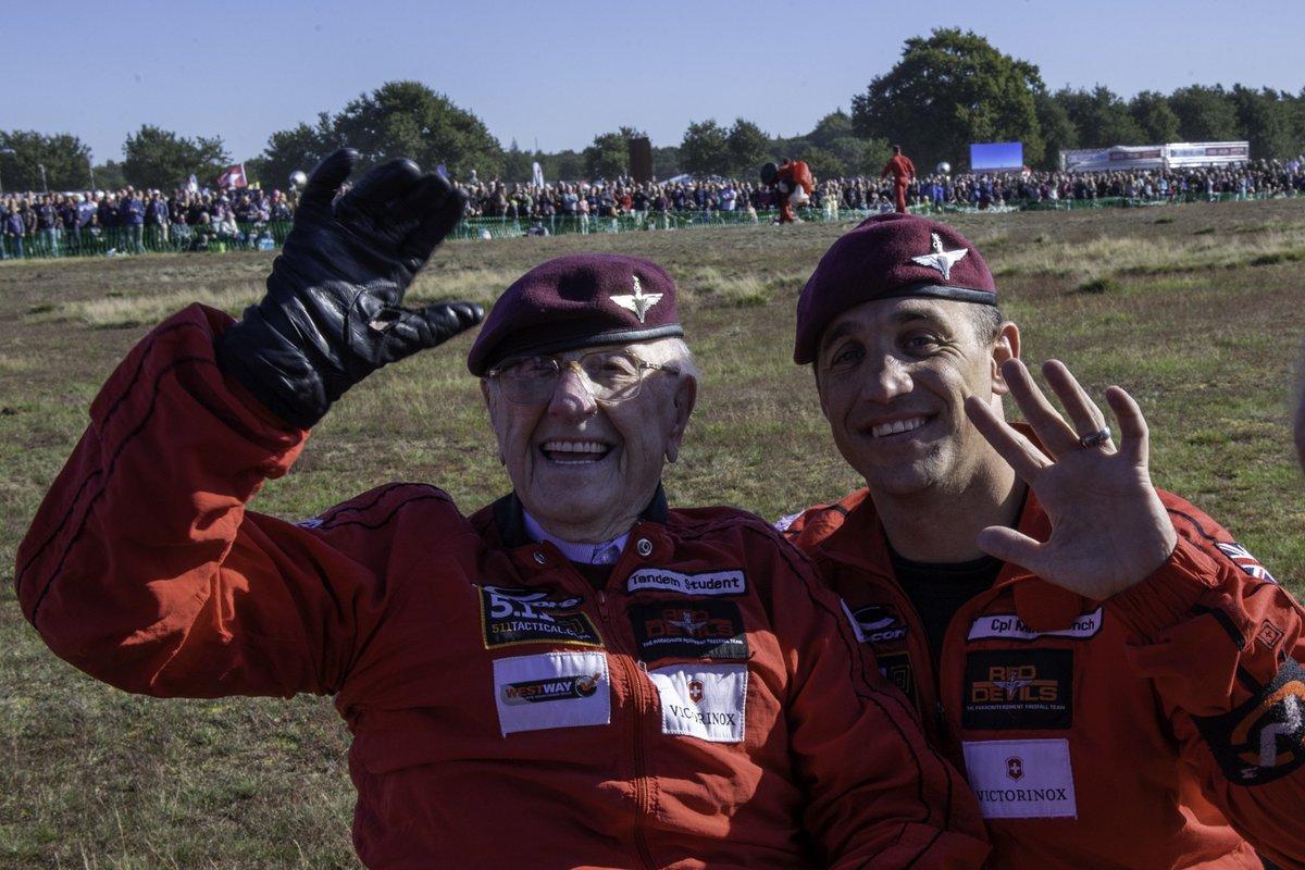 #Arnhem75 Hes down!! 97 year old veteran, Sandy Cortmann of Aberdeen, parachuted into Arnhem today, 75 years after his last jump onto Ginkel Heath. What a hero!! #MarketGarden75