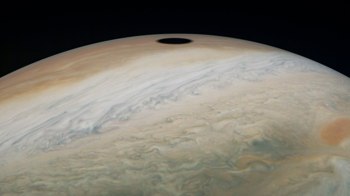 The shadow of Jupiter's moon Io is captured by @NASAJuno on the recent 22nd perijove. [ Eichstadt ]