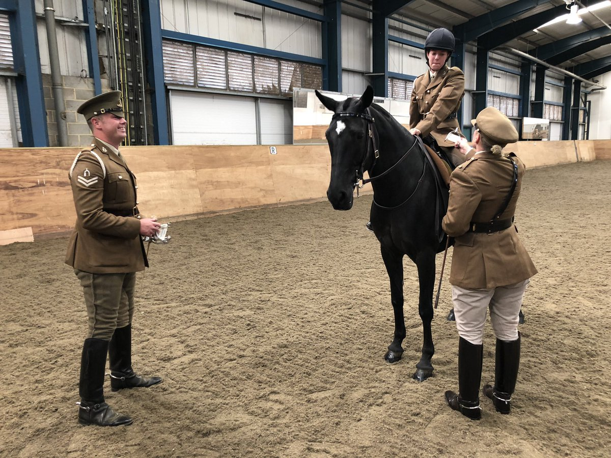 GUNNERS EARN THEIR SPURS Yesterday was a very proud day for some of our young soldiers as they earned their spurs in front of the CO All five Gunners passed, and they will now go on to learn about riding and parading in ceremonial kit. Well done! #horsegunners