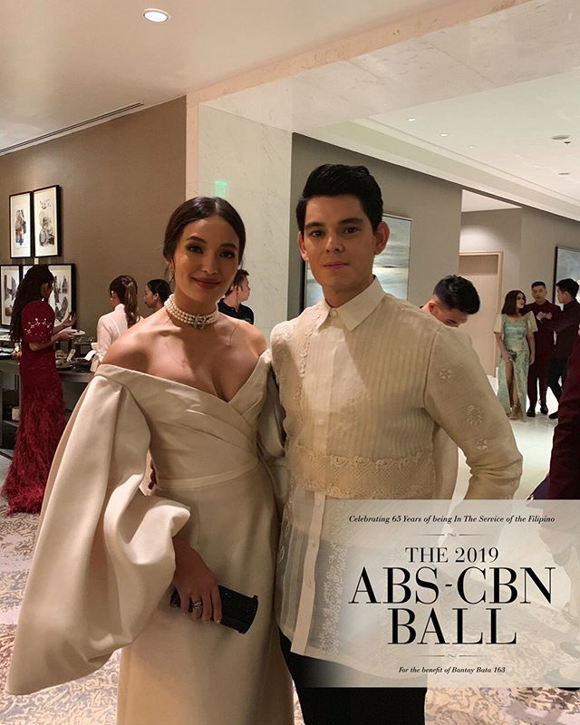 Richard Gutierrez with his lovely lady, Sarah Lahbati on #ABSCBNBall2019   Aren't they lovely?<br>http://pic.twitter.com/pKNco5LnR1