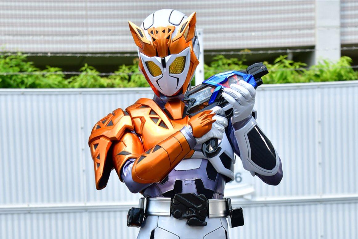 明日午前9時は仮面ライダーゼロワン 第03話『ソノ男、寿司職人』放送です。お待たせしました、唯阿が仮面ライダーバルキリーに変身!令和初の3号ライダー、そのスピーディーなアクションをお見逃しなく。更にはゼロワン、新プログライズでのバトルと盛り沢山です。明日もお楽しみにです!✨OPーー!