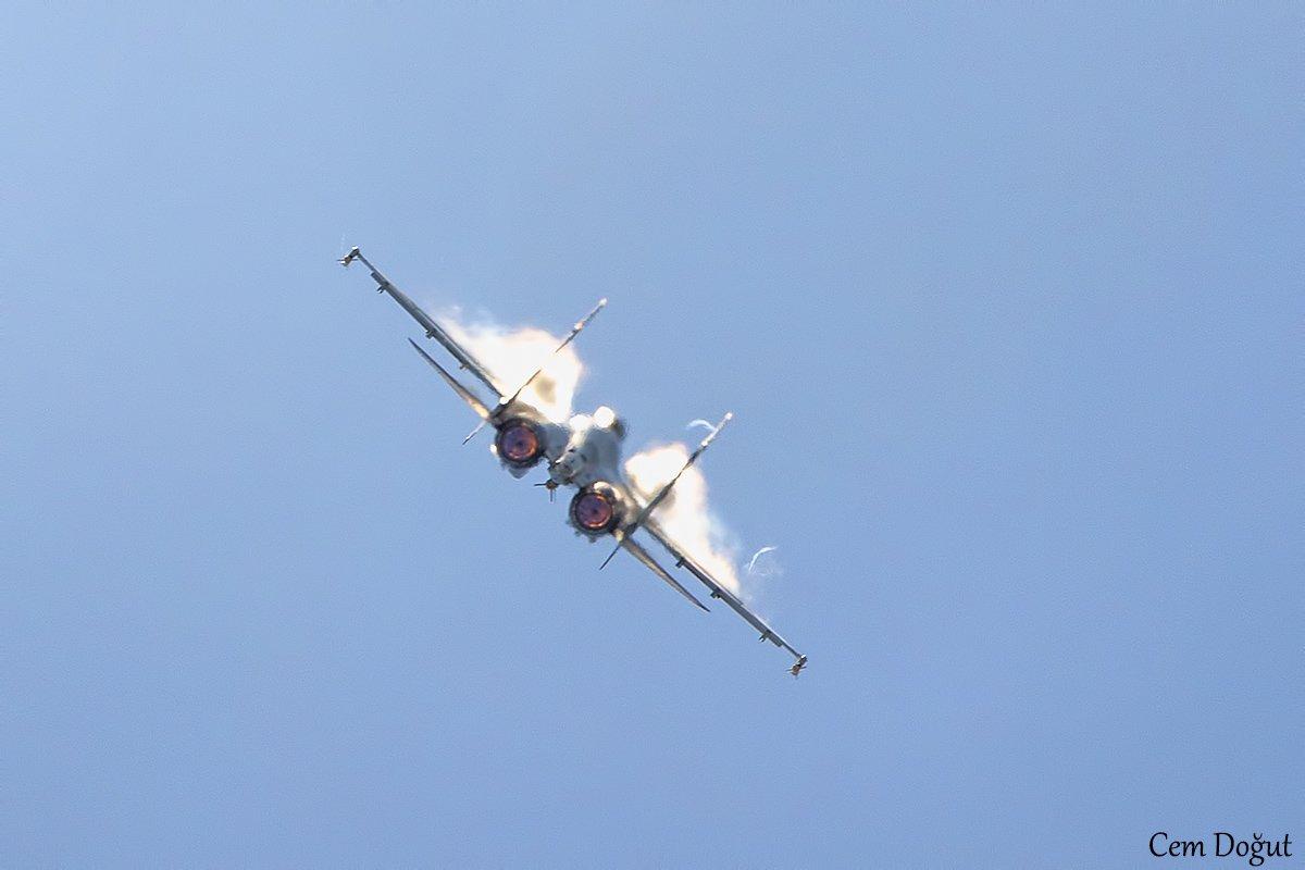 Su-35S: News - Page 30 EEb1ddQXsAAmSE0
