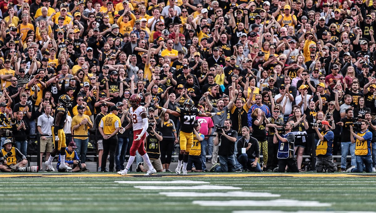 You know what day it is Hawkeyes by a Mil <br>http://pic.twitter.com/KoNacB1HUF