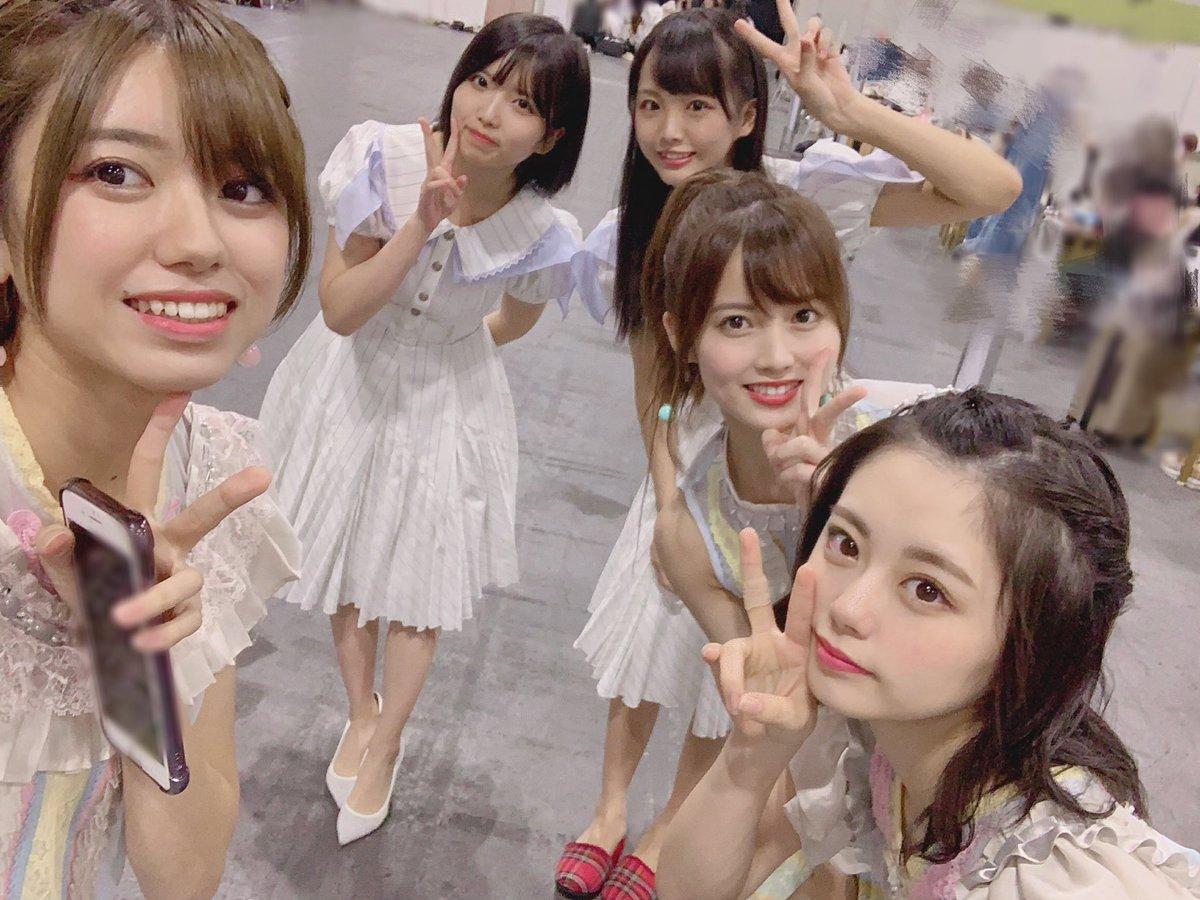 今日は大阪でAKB48さんとSTU48の合同全握🐙楽しかった〜。レーンは桃香さん濱さん麟さんCUCAとでした♪ありがとうございました!べりんさんに昔行ったツアーの時のお話したかったのに忘れてた😂言いたいことを後で思い出す、これぞ握手会あるあるだー😂笑 #NOWAYMAN #ジワるDAYS #大好きな人