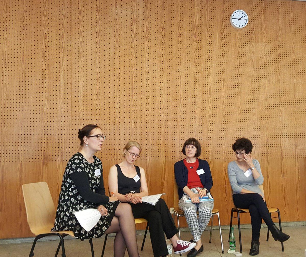 Unsere Bibliothekarin Leyla Schön war beim 7. Tag der Bibliotheken in Berlin und Brandenburg aktiv mit dabei. Ihr kennt unsere #Spezialbibliothek für Literatur zu den Folgen von Folter, Verfolgung und Extremtraumatisierung noch nicht? Dann klickt hier: https://t.co/AgoGwqUOsb
