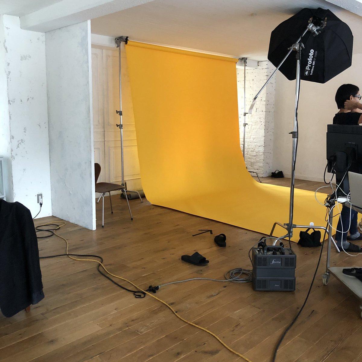 先日の撮休には、#佐藤勝利 さん& #髙橋海人 さんの取材を❤️💛撮影やほかのお仕事の合間をぬって、ふたりだったりひとりづつだったり…この日もたくさん取材を受けていただきました🥺✨もうすぐメディア情報もアップしますので、皆さまお楽しみに🙇♂️#ブラック校則  #ブラ校  #11月1日公開