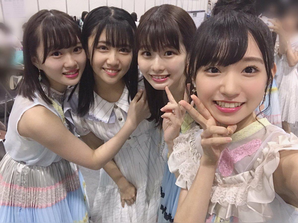 AKB48・STU48合同全国握手会in大阪🐙ありがとう!!!!ライブのユニットでは『虹の作り方』を披露させていただきました🌈磯貝花音ちゃんは前から一緒に踊りたいって言ってくれてて夢がかなった気分😳信濃宙花ちゃんは初めて喋ったけどウルトラスーパーフレンドリーで話しやすかったです🌷