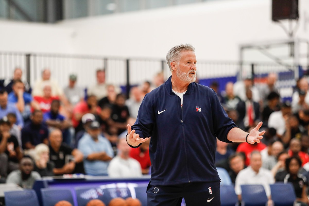 What a guy.  Coach is hosting another free clinic » http://sixe.rs/clinic19