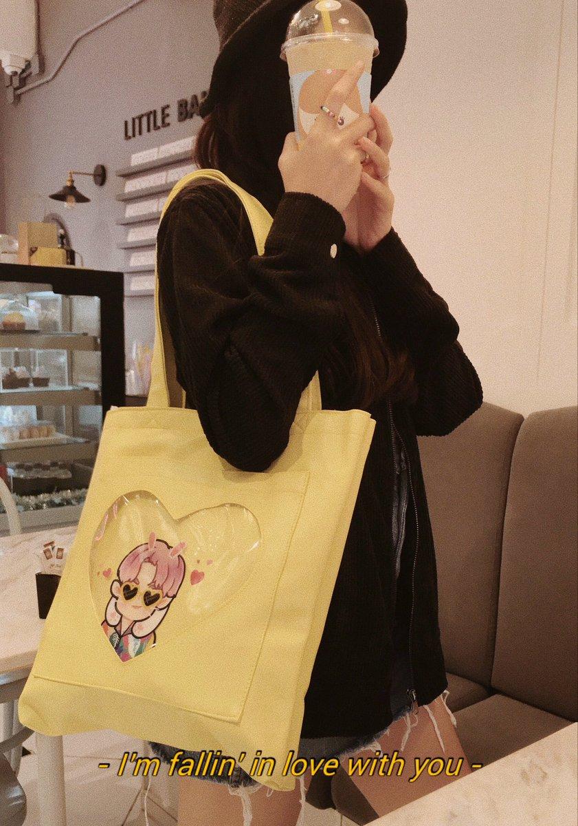 มีใครรอสต็อคกระเป๋าคอล3ไหมคะ พรุ่งนี้มาลงฟอร์มตอน1ทุ่มนะคะๆๆ   Is there anyone waiting for stock of leather bag? (Collection3) I will post the form tomorrow (09/15 9pmKST)   Thank you!  <br>http://pic.twitter.com/M5C96YS9ac