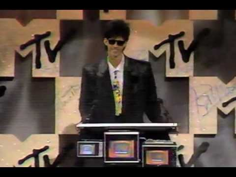 """Sept 14, 1984: the 1st MTV VMA's (Video Music Awards) were held. #80s """"You Might Think"""" won Video of the Year & Madonna had a memorable """"Like a Virgin"""" performance. <br>http://pic.twitter.com/S5lL1yhGO5"""
