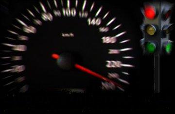 Sabías que el exceso de velocidad, es una de las causas principales de un accidente de tránsito. Respeta los límites de velocidad. En casa tu familia te espera # SeguridadVial