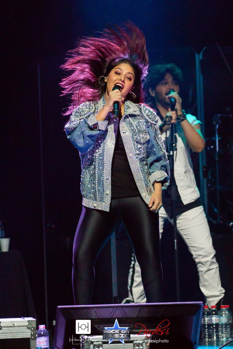 Just a usual thing for her and always an energy booster for us!! @SunidhiChauhan5 rocking it on #UKTour2019